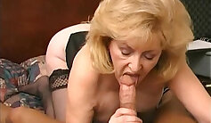 Big tits mature pees under the skin