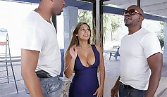 Big-butted ebony mom got double drilled