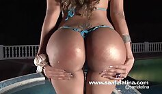 Cuddly light haired chick rubs together her beaver with her ohmibod