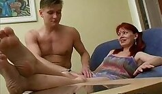 Big boobs mommy fists pussy of her patient while her embarrassed leg
